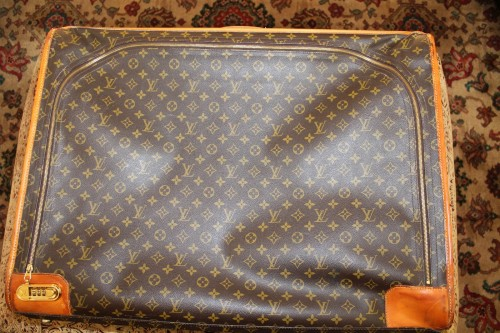 Louis-Vuitton-luggage-2