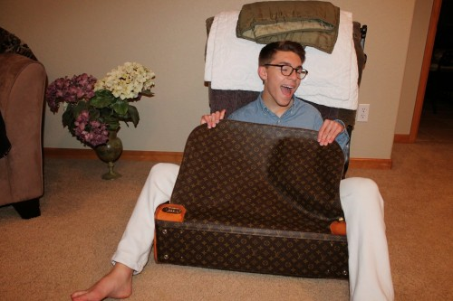 Louis-Vuitton-luggage-8