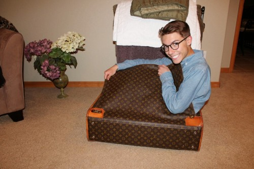 Louis-Vuitton-luggage-9
