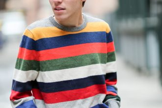 Gap mens striped sweater